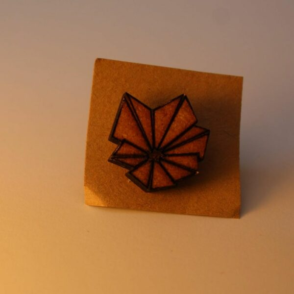 Metraeda Pin Blume